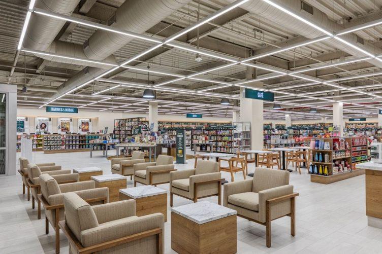 Barnes & Noble bookseller